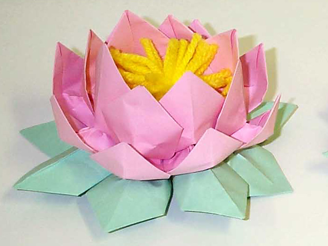 Paper lotus flowers inland northwest falun dafa for How to make a lotus with paper
